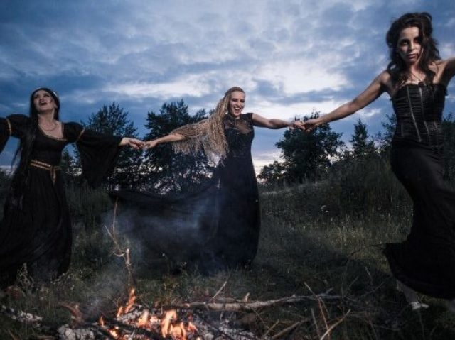 Qual Bruxa famosa você é?