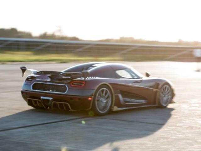 Os 5 carros mais rápidos da marca Koenigsegg.