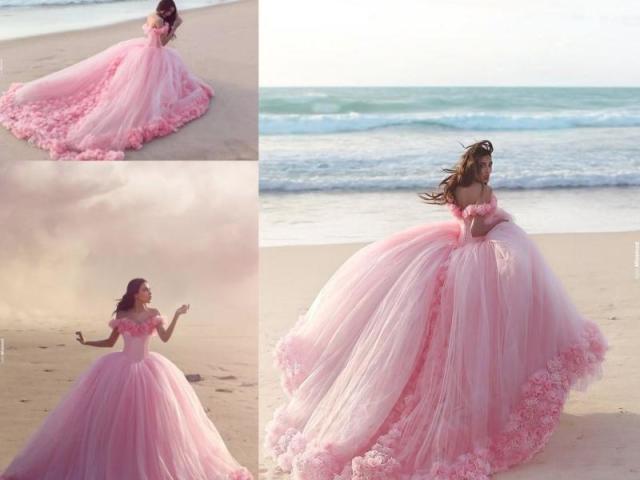 Como seria o seu belo vestido de 15 anos?