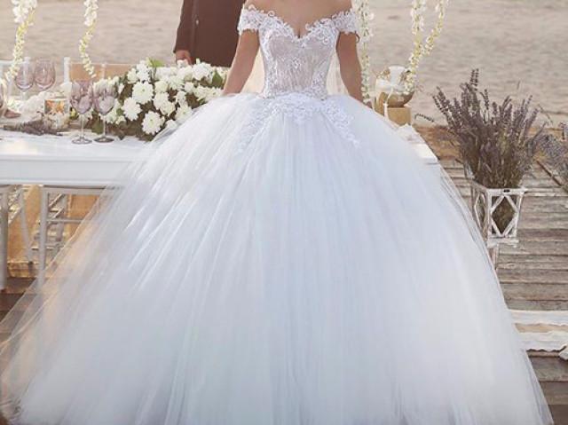Qual vestido de noiva combina com você?
