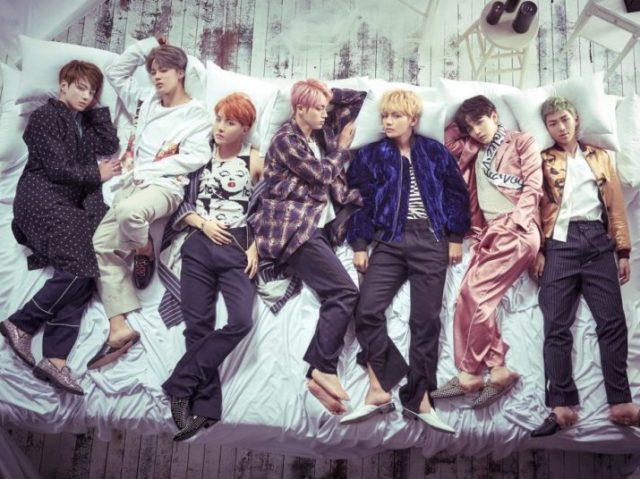 RPG: Qual integrante do BTS te beijaria numa festa do pijama?