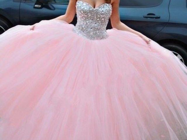 Como será o seu vestido de debutante?