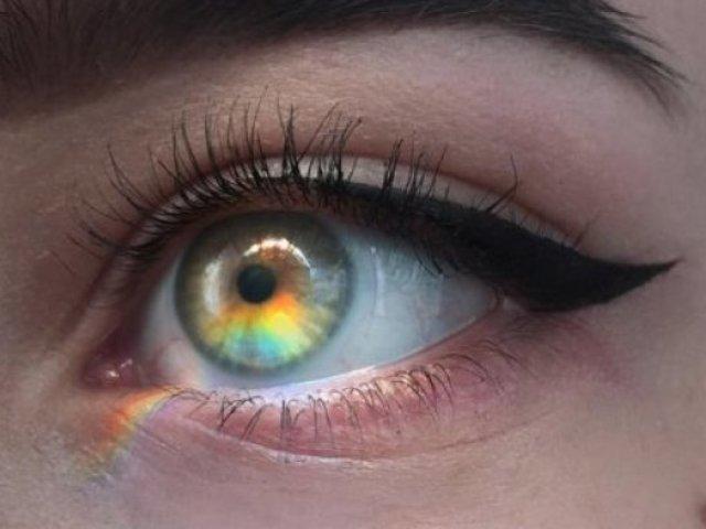 Qual cor de olho mais combina com você?