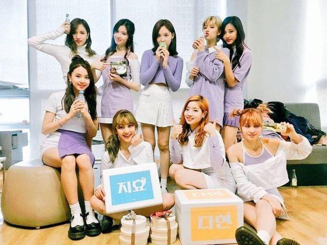Twice: Qual a música pela foto?