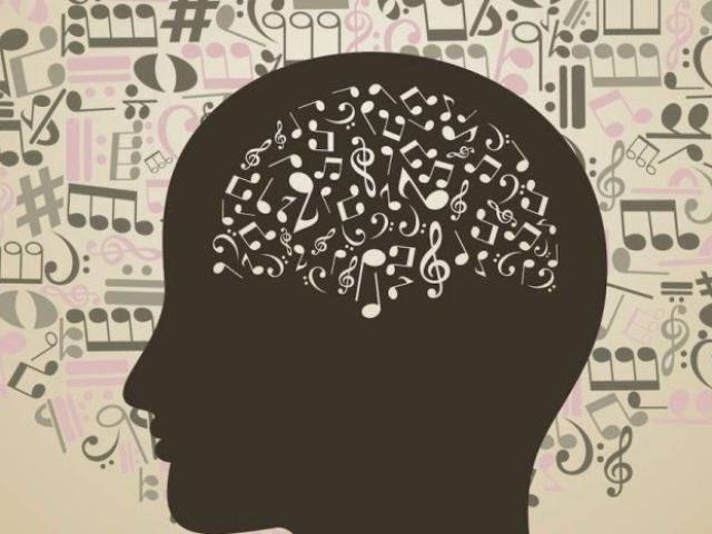 Será que você sabe quem é o cantor original dessas músicas famosas?