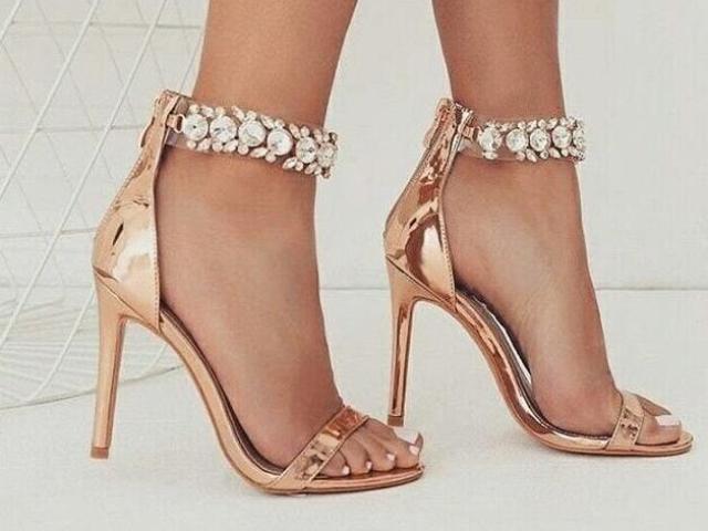 Que tipo sapato você compraria?