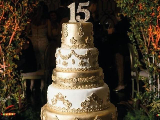 Crie sua festa de 15 anos! ❤