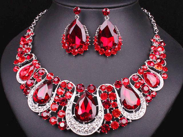 Qual jóia pertenceria a você?