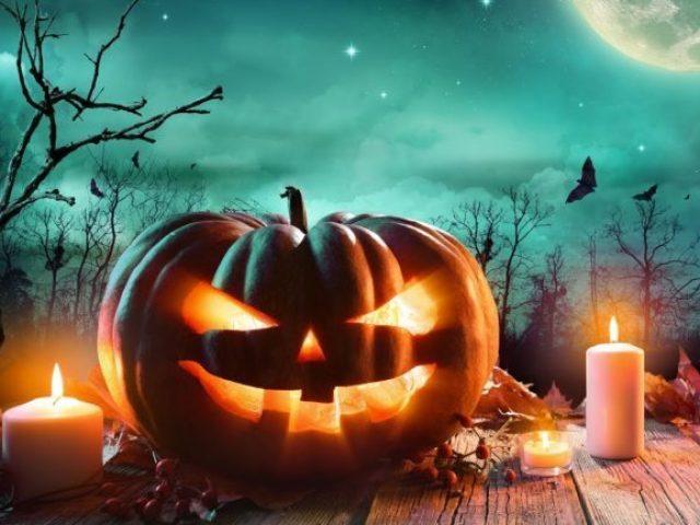 Crie sua aventura em uma festa do dia das bruxas mal assombrada!