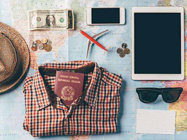 Monte sua mala e diremos para onde você vai viajar!