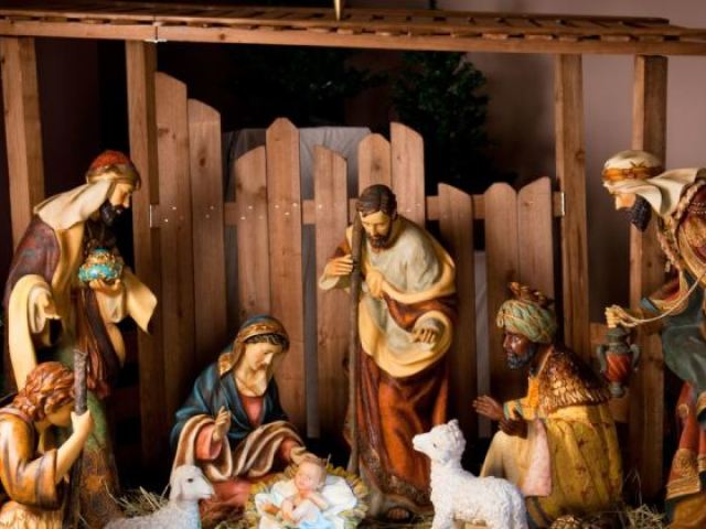 Monte seu Presépio e diremos como será sua Árvore de Natal!