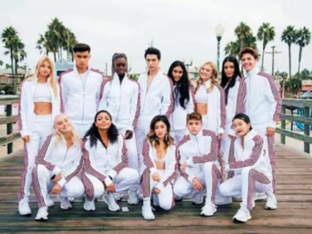 Now United ❤💙💚💜