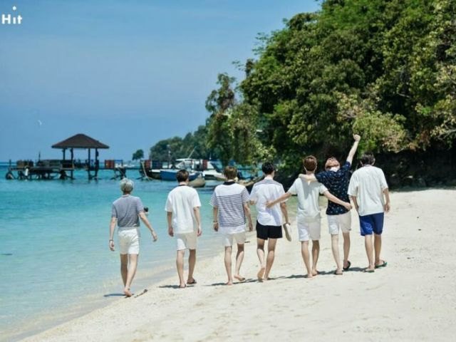 BTS RPG: Um dia na praia