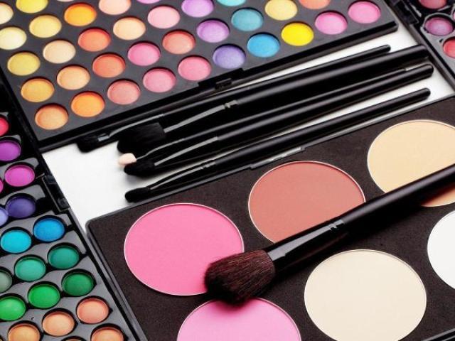 Monte o seu kit de maquiagens!