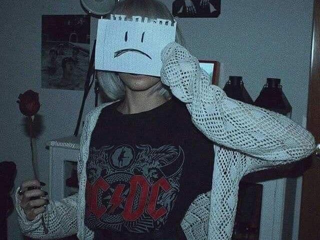 ☆ Você é mais e-girl ou gótica? ☆