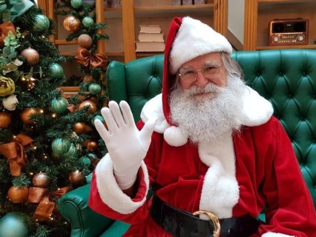 Escolha a decoração de Natal e descubra o que Papai Noel vai lhe dar!
