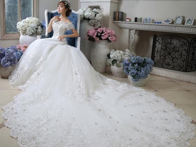 Qual será seu vestido de noiva luxuoso?