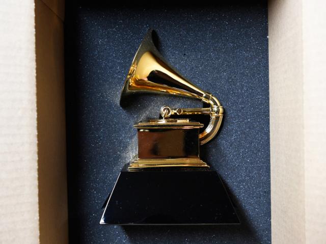 Você consegue acertar qual desses famosos tem Grammy?
