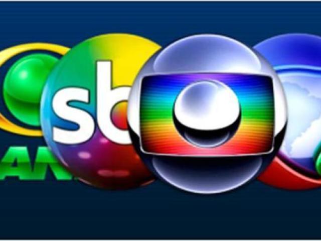 Em qual emissora passaram esses programas?