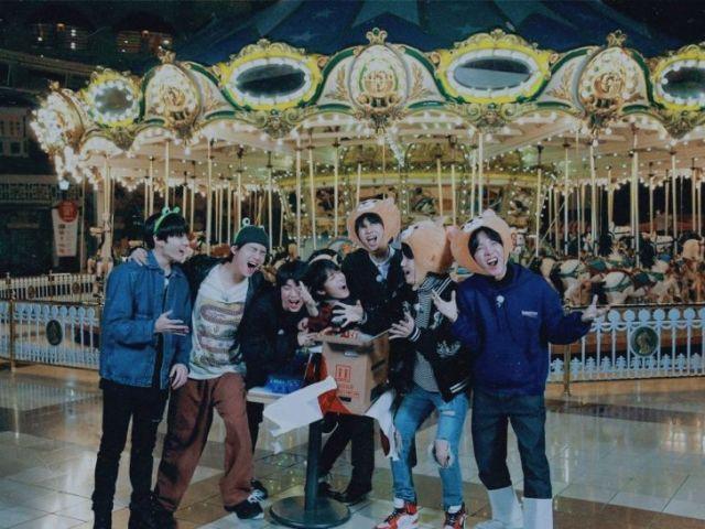 Monte o seu passeio no parque de diversões ideal e descubra qual membro do BTS iria com você!