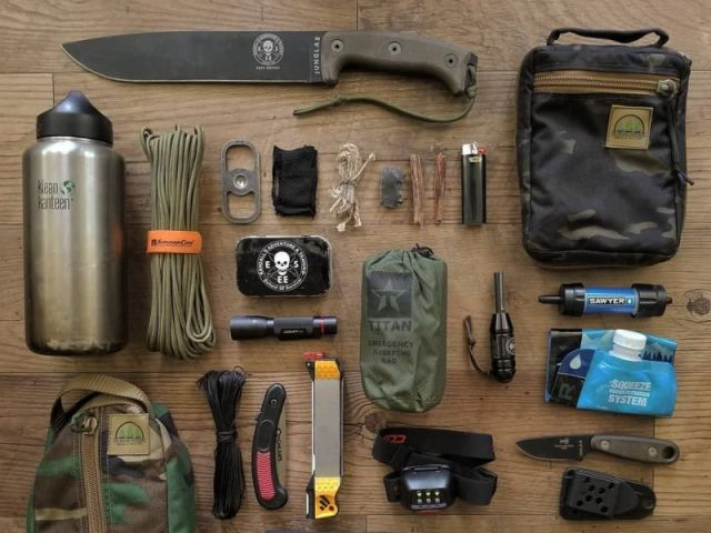 Monte seu kit sobrevivência e diremos se você está preparado para um apocalipse zumbi!