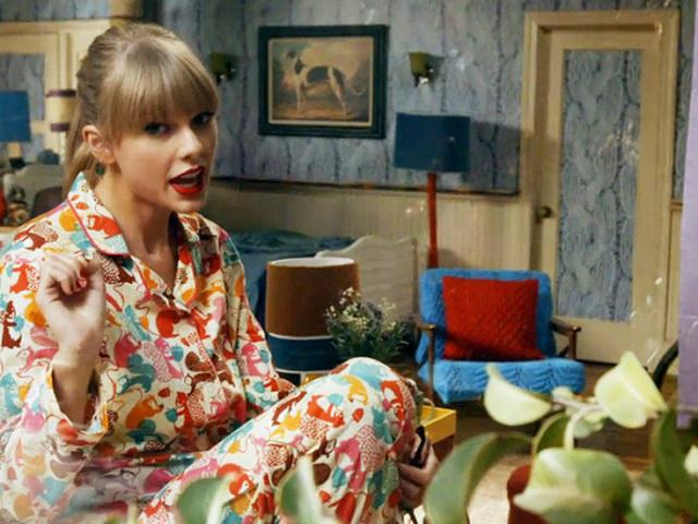 Monte sua festa do pijama e descubra qual cantora pop iria!