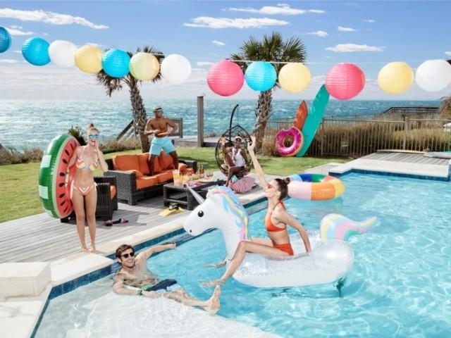 Monte sua festa na piscina e diremos qual deveria ser a sua idade!