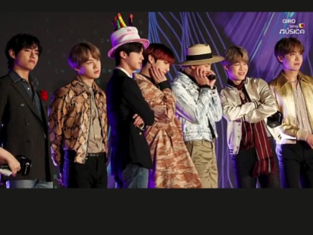 Quem você namoraria do BTS?