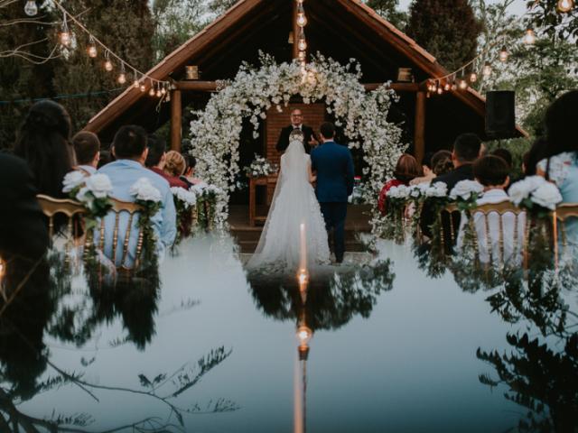 Monte seu casamento e diremos quando você irá se casar!