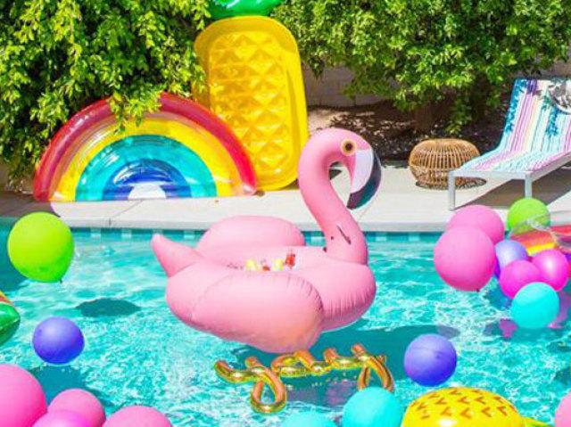 Monte sua Pool Party! (girl)