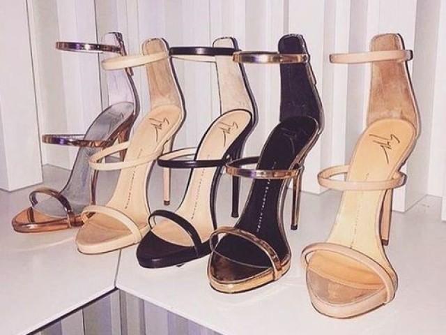 Escolha os sapatos e descubra qual é o do seu casamento!