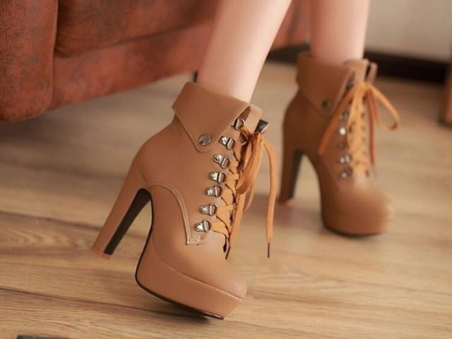 Qual cor de sapato mais combina com você?