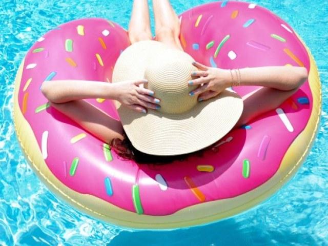 Monte sua festa na piscina e diremos qual deveria ser o seu signo!