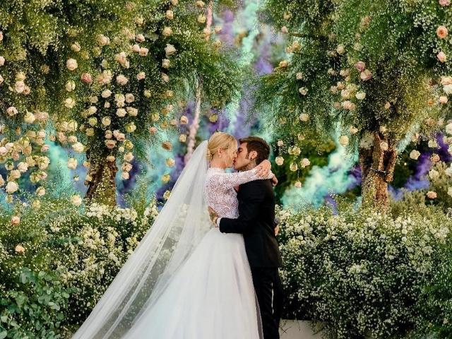 Escolha a decoração do seu casamento e diremos quando ele ocorrerá!
