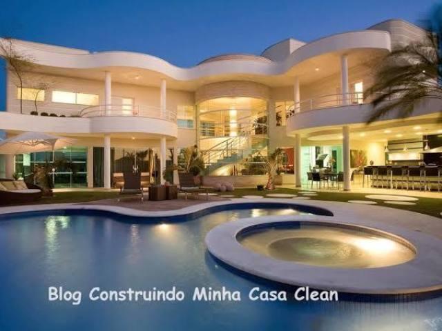 Monte sua casa de praia