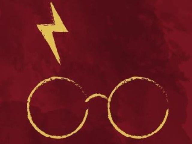 Monte seu material escolar de Harry Potter e direi qual personagem você seria