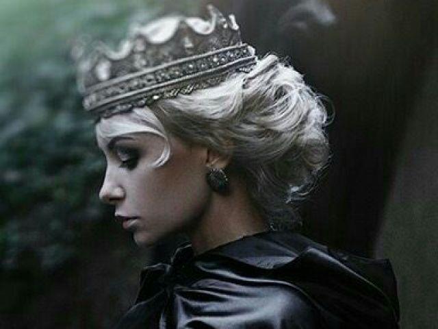 - Monte seu dia sendo Rainha e direi qual tipo de rainha você seria! -