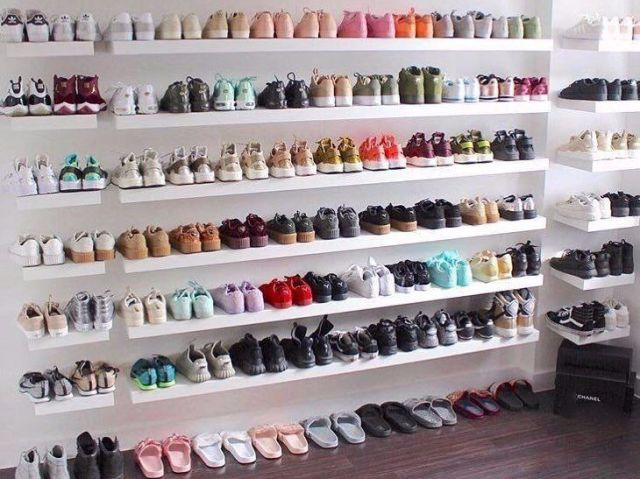 O seu closet de sapatos!