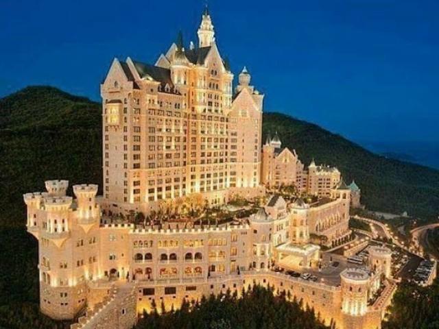 Monte seu hotel luxuoso!