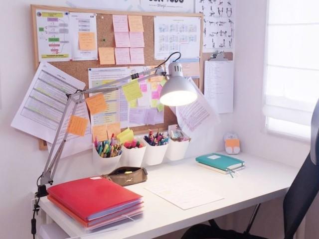Monte sua escrivaninha