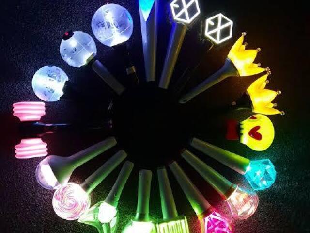 De qual grupo é o lightstick?