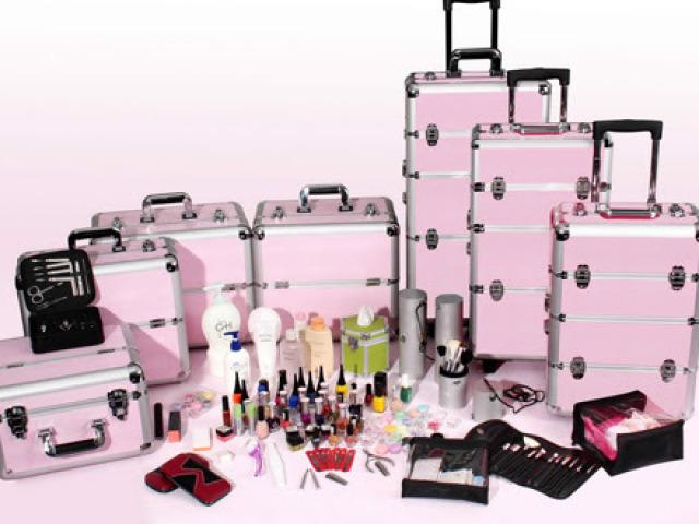 Monte sua maleta de maquiagem