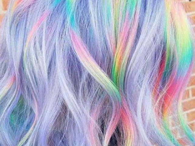 Qual cor de cabelo colorido você teria?