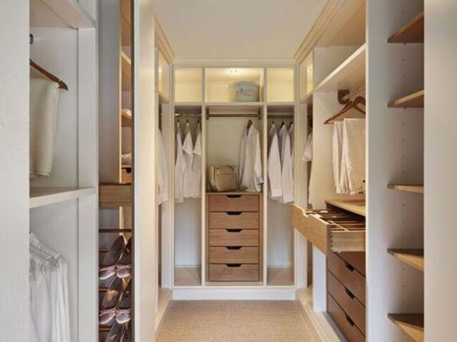 Monte sue closet!