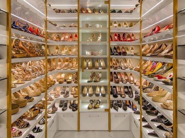 Monte seu guarda roupa de sapatos!