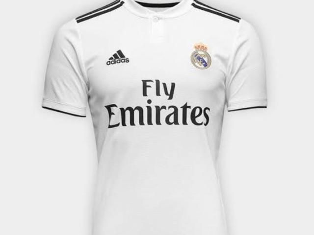 Qual o nome desse time pela camisa?