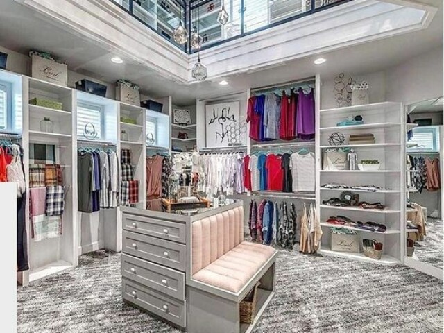 Monte o seu closet dos sonhos