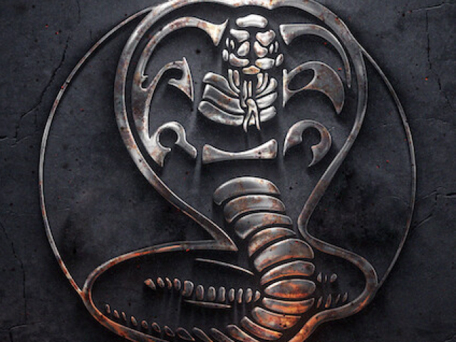 Cobra Kai fácil
