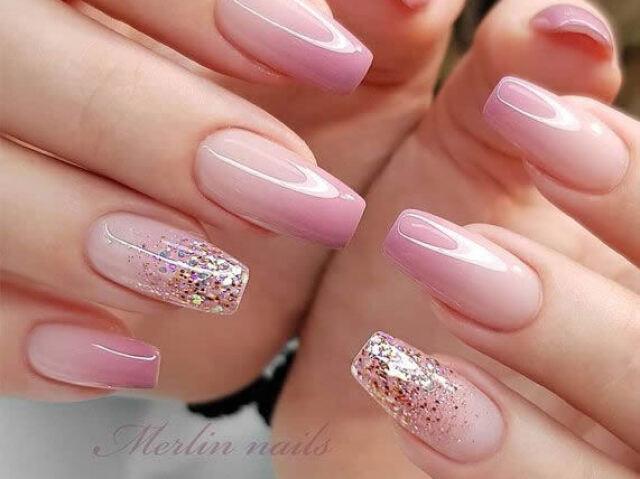 Escolha algumas unhas e eu te digo qual cor mais combina com você!