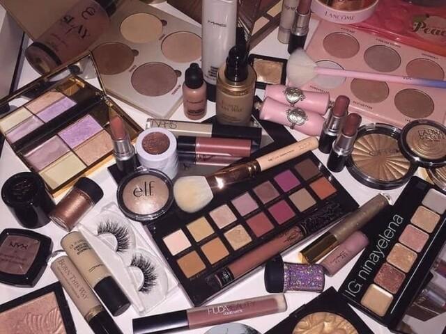 Monte um Kit de Maquiagem